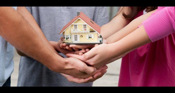 Как продать квартиру и купить дом если в доле несовершеннолетние дети