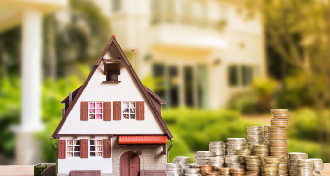 Как продать квартиру и купить дом с чего начать