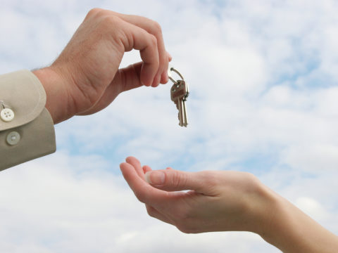 Как продать квартиру без потерь