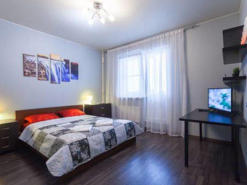 грамотные люди снимают квартиру на сутки а не арендуют гостиничный номер