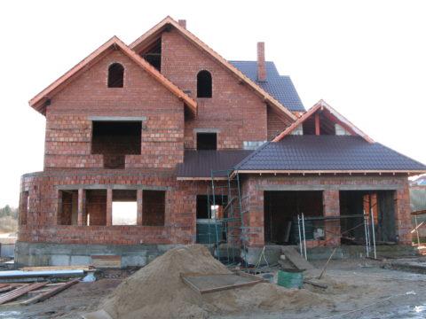 продать недостроенный дом
